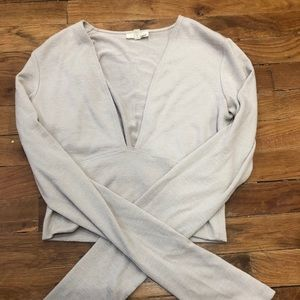 Artezia cropped long sleeve top in cream size M